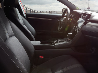 Inside the 2017 Civic