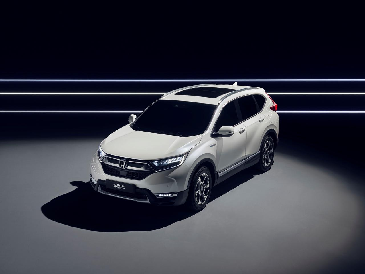 Honda CR-V 2017 front quarter view