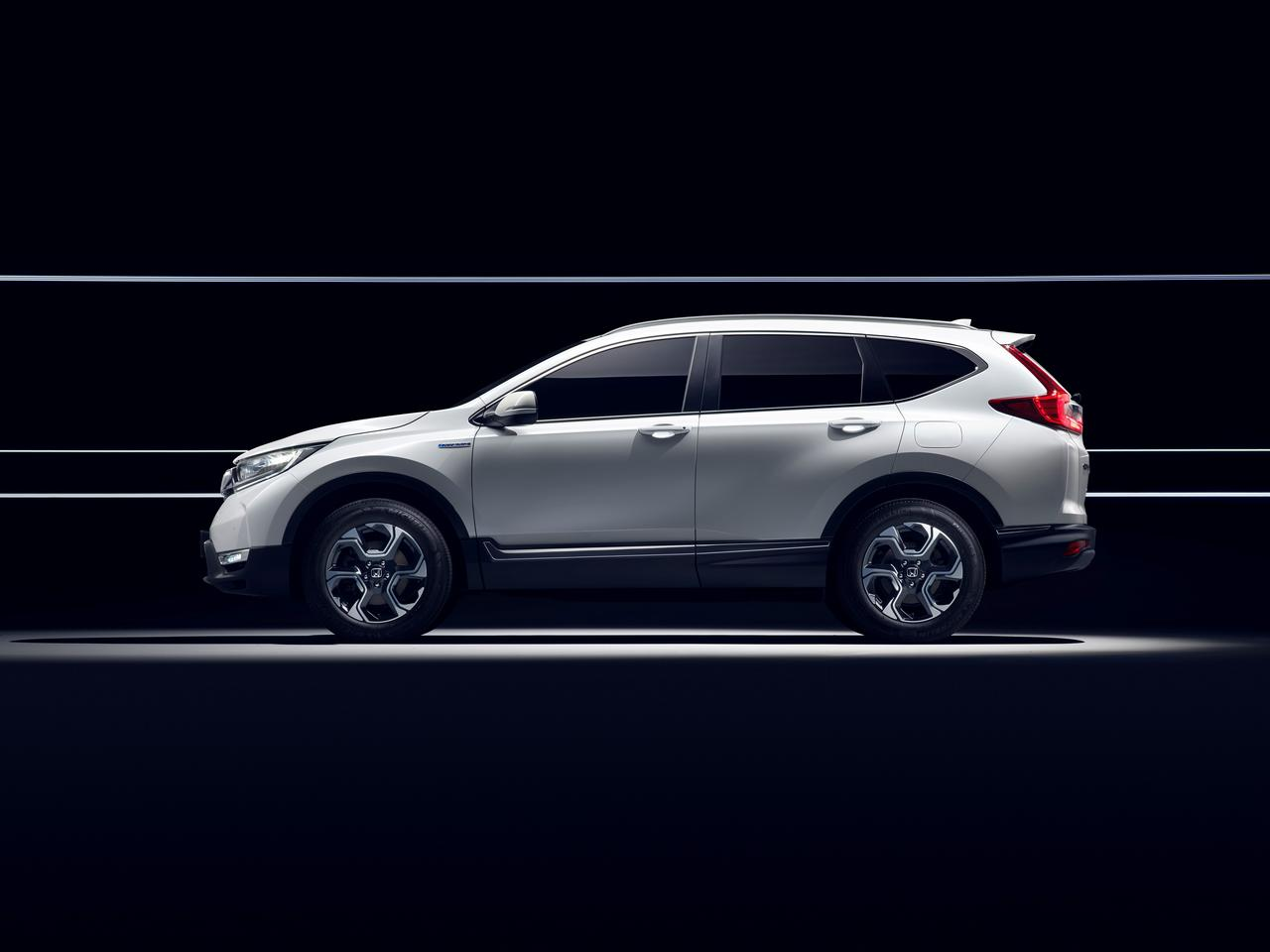 Honda CR-V 2017 side view