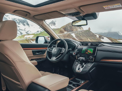 Inside the 2019 Honda CR-V