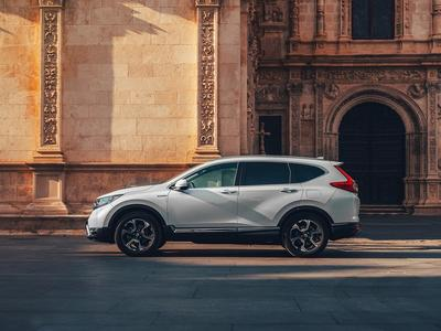 The new 2019 Honda CR-V Hybrid in