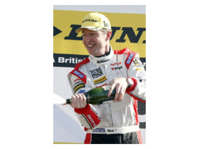 New Honda Wins on Brands Hatch Debut