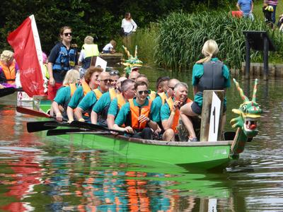 Woking & Sam Beare Hospice Dragon Boat Race 2016